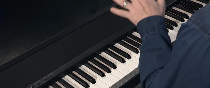 Piano d'étude portable de référence : Korg B1 ! Chez Medium Musique Rouen